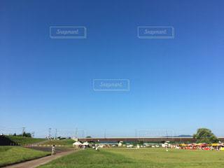 大規模なグリーン フィールドの写真・画像素材[741818]