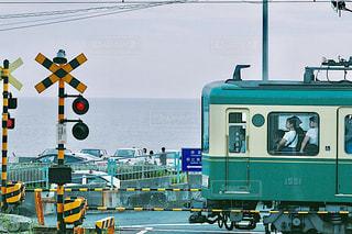 道を運転する鉄道の写真・画像素材[754265]