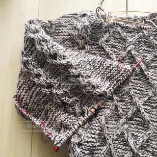 編みかけのセーターの写真・画像素材[774434]