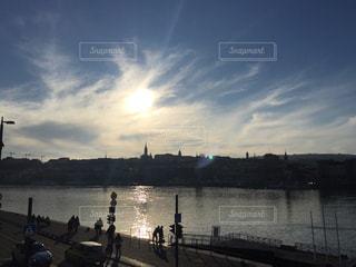 ブダペスト 逆光での景色の写真・画像素材[618438]