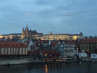 プラハ チェコの夕暮れの写真・画像素材[618648]