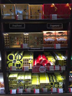 ドバイ 免税店 チョコ売り場の写真・画像素材[618654]