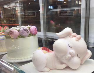 ケーキで作られた可愛い子豚ちゃんの写真・画像素材[716955]
