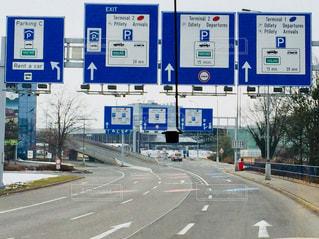 チェコ。プラハから空港までの移動中の車窓♪の写真・画像素材[1040589]