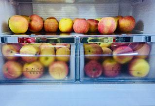 冷蔵庫の中のりんご♪の写真・画像素材[1058061]