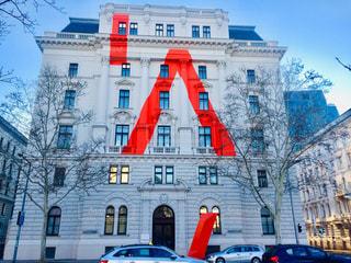 オーストリア ウィーン。Aに見えるデザインがされている建物🇦🇹の写真・画像素材[2040836]