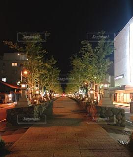 鎌倉 夜の歩道の写真・画像素材[1129165]