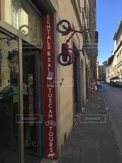 イタリア 自転車 街 オシャレの写真・画像素材[621824]