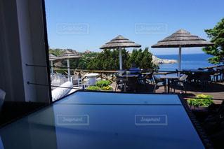 テーブルの上に座ってボートの写真・画像素材[1316344]