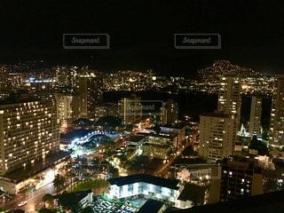 ホテルからの夜景の写真・画像素材[1095348]