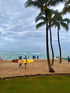 雨からの止んだビーチの写真・画像素材[1095350]
