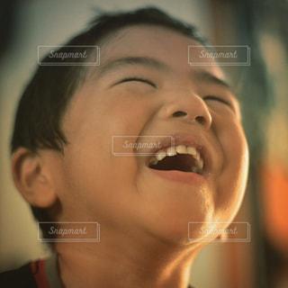 笑う子供の写真・画像素材[682204]