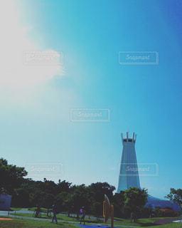 沖縄 平和の塔と青空の写真・画像素材[689165]