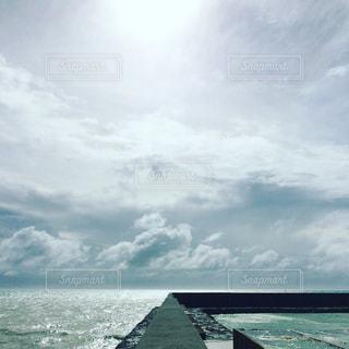 水の体の上の橋 - No.889761