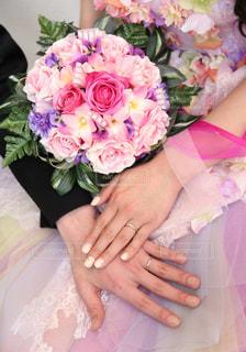 ピンクの花の花束の写真・画像素材[1119674]