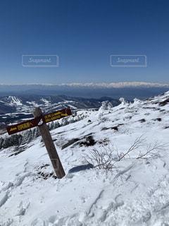 雪に覆われた斜面の写真・画像素材[1856357]