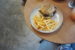 ハンバーガーの写真・画像素材[2091469]