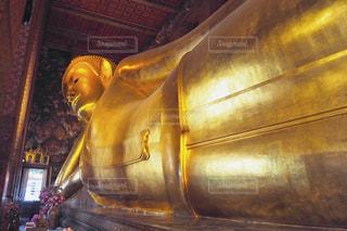 タイのワットポーの大仏の写真・画像素材[2408522]