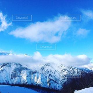 雪の空に雲のグループ カバー山 - No.929082
