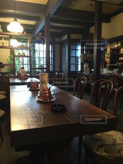 雰囲気の良い喫茶店の写真・画像素材[1734882]