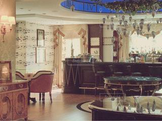 家具の多くで満ちている部屋の写真・画像素材[776415]