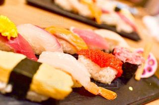 寿司のスライスの写真・画像素材[1296607]