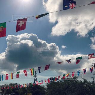 空と旗の写真・画像素材[929341]