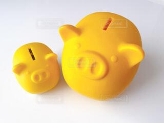 豚の貯金箱親子の写真・画像素材[4305034]