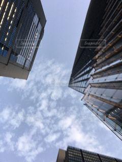 金属塔を持つ建物の写真・画像素材[1394201]