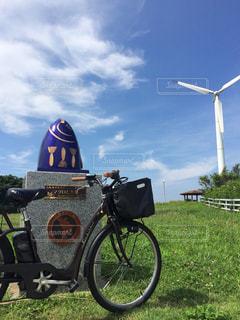 草の上自転車駐車の写真・画像素材[2084368]
