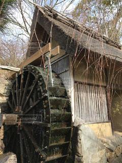 今は珍しい水車小屋「屋島 山頂 わら家」の写真・画像素材[1140006]