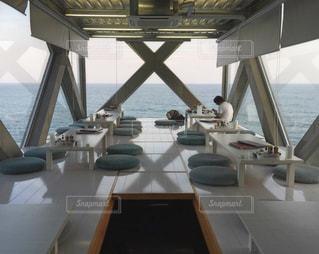 絶景カフェ「SEA HOUSE」内部一階の写真・画像素材[1214122]