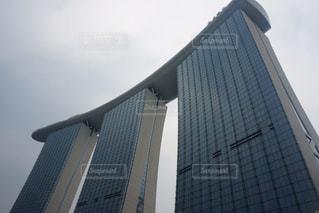 世界一高いところにインフィニティプールがあるホテル「マリーナベイサンズ」の写真・画像素材[1220491]
