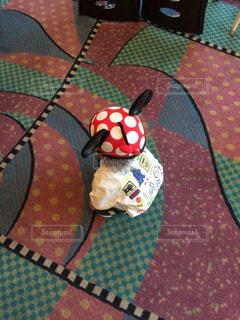 海外限定・日本未発売、ミニーのイヤーキャップを被る子どもの写真・画像素材[1222928]