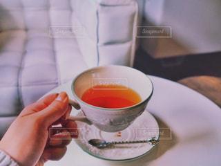 紅茶を飲むの写真・画像素材[864791]