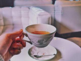 紅茶を飲むの写真・画像素材[864793]