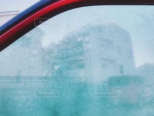 凍った車の窓の写真・画像素材[917332]