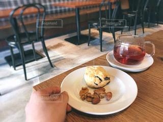 スコーンと紅茶の写真・画像素材[1011667]