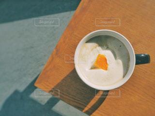 アールグレイホワイトチョコレートラテの写真・画像素材[1017962]