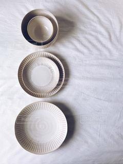 白の食器の写真・画像素材[1520819]