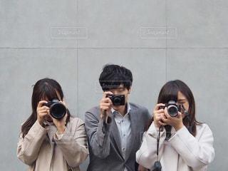 カメラ女子&男子の写真・画像素材[1821120]
