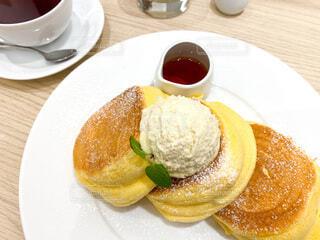 幸せのパンケーキの写真・画像素材[4077566]