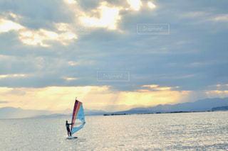 水の体のボート - No.930347