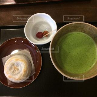 テーブルの上のコーヒー カップの写真・画像素材[756953]
