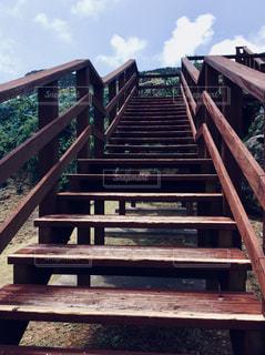 木の階段の写真・画像素材[1324098]