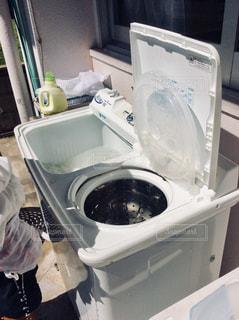 二層式洗濯機の写真・画像素材[1454237]