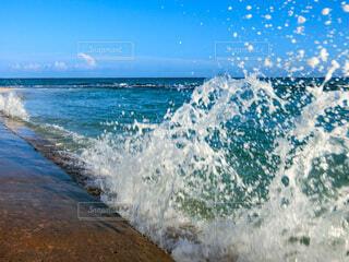 波しぶきの写真・画像素材[3761884]