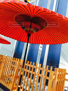 赤い傘の写真・画像素材[717620]