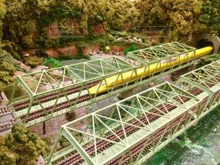 橋の上を走行する列車 - No.757993