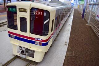 バスに座っている鉄道 - No.775945
